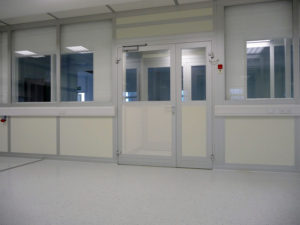 Integrated high-performance clean room doors