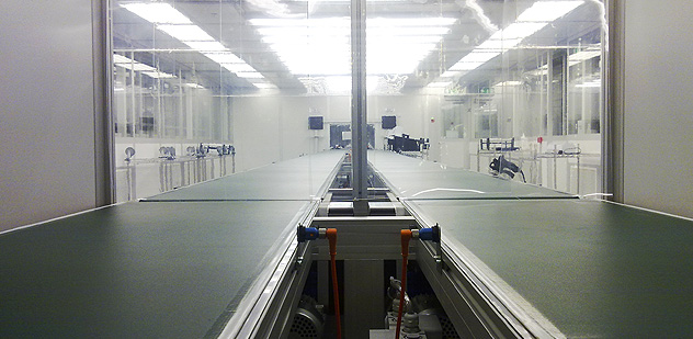 Pharmaceutical grade Cleanroom complete with integrated tool change lifting gantry system