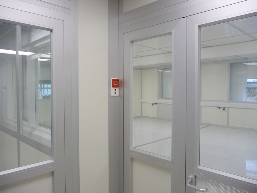 Uduras - High quality internal door with door interlock system