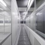 FCM cleanroom with raised access flooring