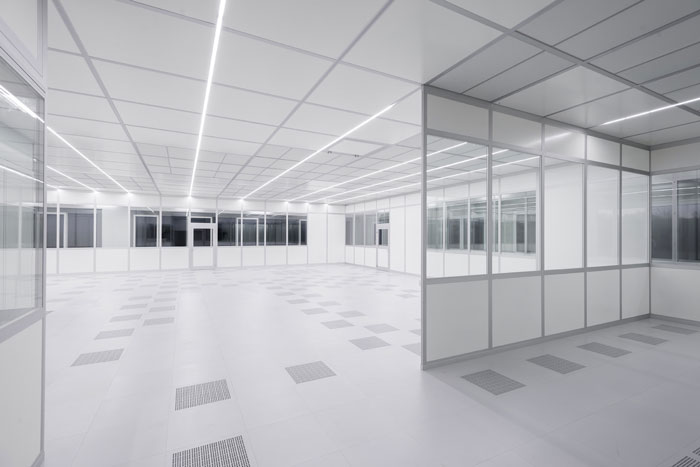 FCM Freiberger Cleanroom internal view with partition