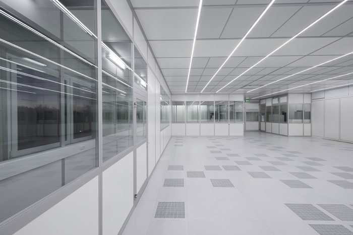 FCM cleanroom constructed using the Octanorm modular wall and ceiling systems