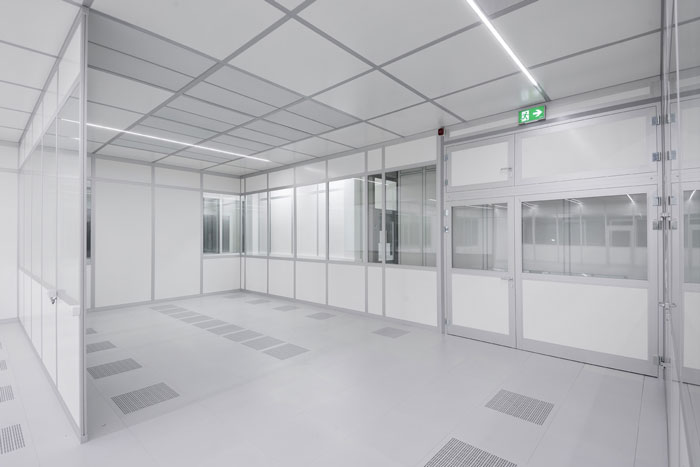 FCM modular class 10000 cleanroom for composite material manufacture.