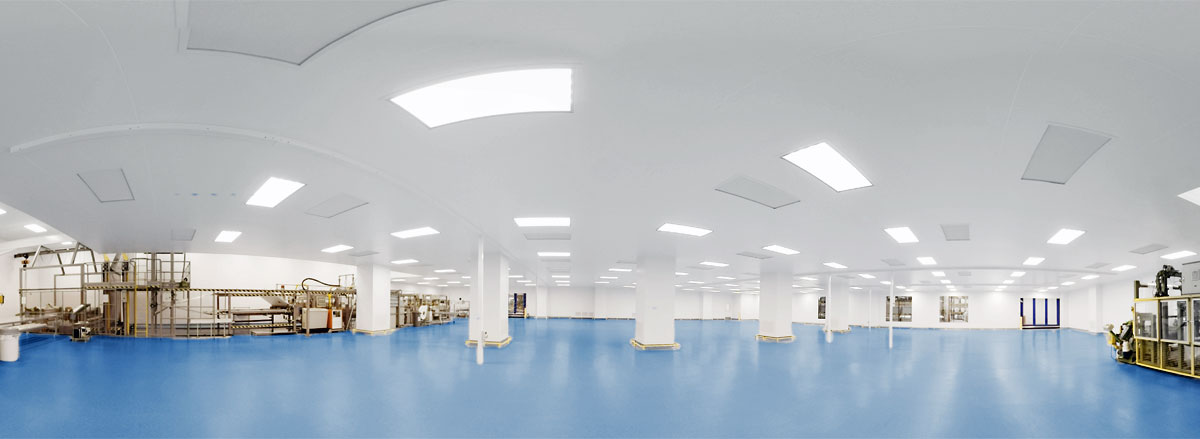 Large Cleanroom with Equipment