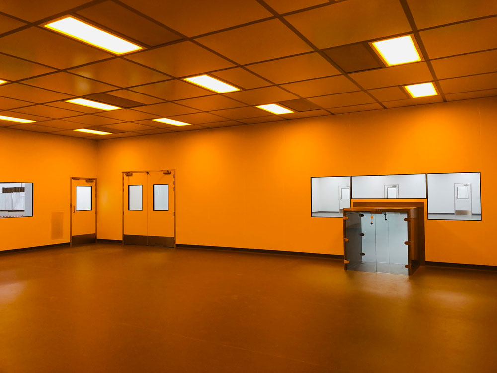 UV sensitive cleanroom