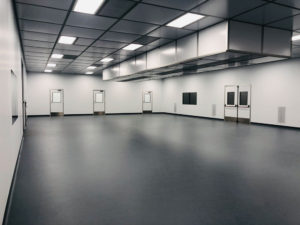 Modular cleanroom with robot enclosure another view
